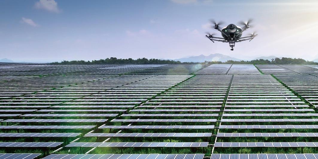 Inspectie ferme solare cu drona Doosan