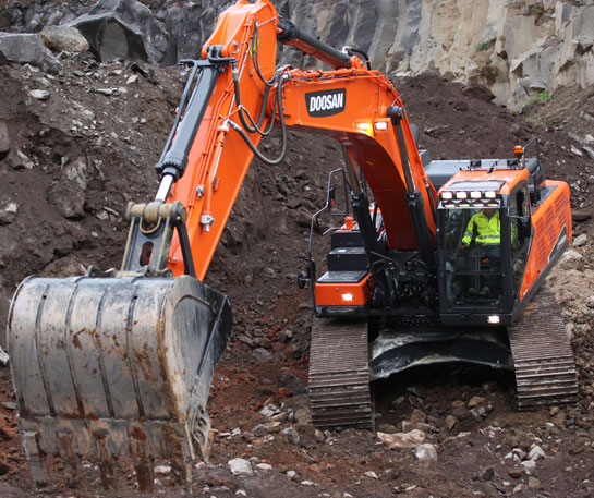 Excavator senile Doosan DX420LC-5 utilaj ircat