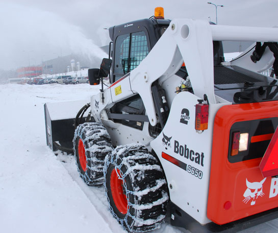 Incarcator compact multifunctional Bobcat freza zapada